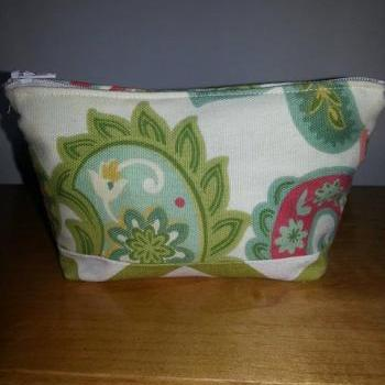 Small Green Paisley Make-up Pouch